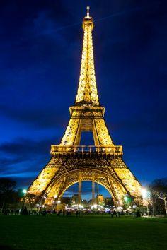 Eiffel iluminada