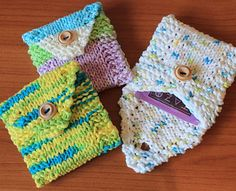 Are you a teetotaler? Do you tote your tea with you? Maybe you're a teetotaling tea toter! If so, you'll need these handy wallets to keep your tea bags from shredding in the bottom of your purse. Knit flat and seamed up the sides, they even hold the larger sized Tazo or Numi tea bags.