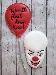 Scary Clown Face Wreath Center Pieces via Scary Clown Face, Clown Faces, Scary Clowns, Handmade Christmas, Christmas Gifts, Christmas Ornaments, Homemade Wreaths, Frame Wreath, Center Pieces
