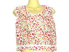 Your place to buy and sell all things handmade Loose Fitting Tops, Tanks, Tank Tops, Floral Crop Tops, Short Tops, Free Clothes, Vintage Outfits, Size 12, Vest
