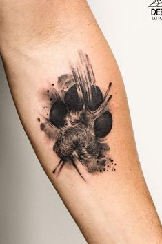 A wolf paw tattoo is an extraordinary one that will make you stand out. Such a meaningful mark will be an excellent symbol for all the characteristics a wolf carries. Wolf Paw Tattoos, Wolf Tattoos For Women, Dragon Tattoo For Women, Sleeve Tattoos For Women, Dog Tattoos, Cute Tattoos, Small Tattoos, Tatoos, Wolf Tattoo Design