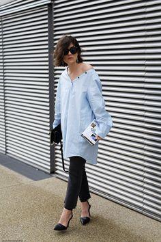 Blue Oversized Shirt & Denim | More on viennawedekind.com #weekday #chloe