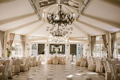 Malachite Meadow Malachite, Chandelier, Ceiling Lights, Lighting, Home Decor, Fotografia, Candelabra, Decoration Home, Room Decor