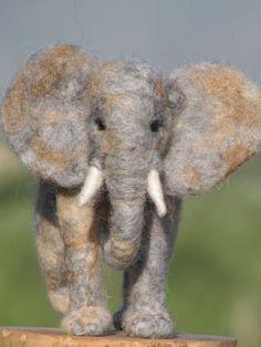 Nadel Gefilzte Elefant, Soft-Skulptur, Nadel Gefilzte Tiere, OOAK auf Etsy, 260,22 €