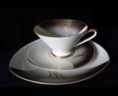 Exquisite cup saucer and plate trio set