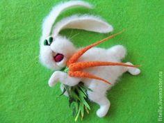 """""""Заяц убегаец"""" магнит на холодильник - белый,магнит на холодильник,шерсть"""