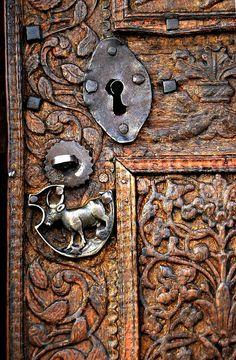 Дверные ручки, резные украшения, замки ... - Неспящие в Торонто
