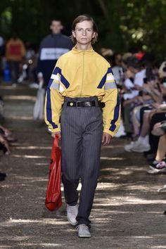 Balenciaga Men's Spring 2018 – WWD