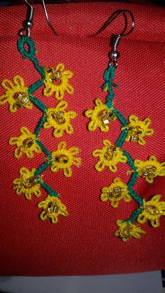 Orecchini mimosa - realizzati a chiacchierino- Lungh, cm. 5