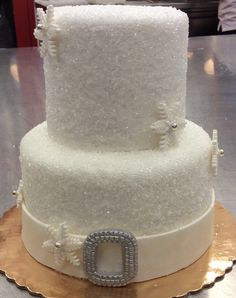 Crystal sugar is perfect to set a sweet snowy scene for winter nuptials! #carlosbakery