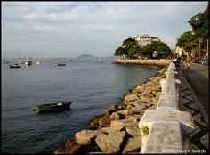 Urca, Rio de Janeiro. Bairro onde morei, no início dos anos 80, e onde hoje circulo com relativa frequência.