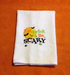 Decorative bar mop towel for Halloween. It will make a great decorating holiday towel and what a good accessory for your Halloween party. If you want