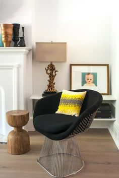contemporary living room by Shirley Meisels