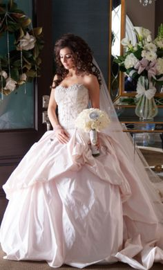 Other wedding dress currently for sale at 0% off retail.