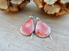 Boucles d'oreilles rustiques, cuivre émaillé,noël rouge et blanc,argent massif,fait main. : Boucles d'oreille par ambreline