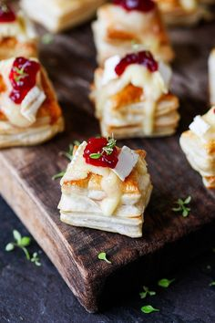 thanksgiving appetizer: cranberry and brie bites