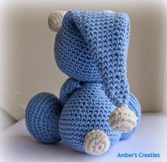 Tuto amigurumi Teddy bear in pajamas All about crochet and Crochet Amigurumi, Crochet Bear, Cute Crochet, Crochet Animals, Crochet Dolls, Crochet Hats, Easy Crochet Patterns, Stuffed Toys Patterns, Crochet Projects