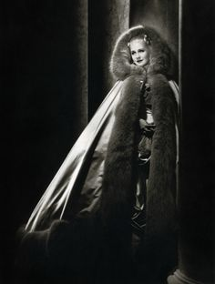 Marie-Antoinette (1938) with Norma Shearer. OMG. Deb, I love this cape! We HAVE to make it!
