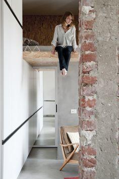 Jurnal de design interior: Amenajare industrială într-un mini loft de 30 m² din Milano