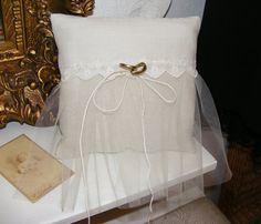 Ring pillow for wedding rings von HalloVintage auf Etsy