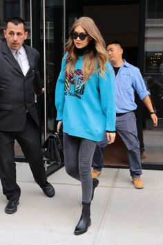 I would totally wear this , I love her style SOOOO much
