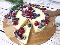Pannacotta cheesecake med lime & vit choklad | zofias_kok Cookie Cake Pie, Lime Cheesecake, Breakfast Dessert, Fika, Dessert Recipes, Desserts, Tart, Panna Cotta, Bakery