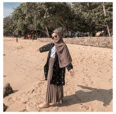 Ootd Hijab, Hijab Casual, Casual Ootd, Hijab Stile, Hijab Fashion Summer, Modele Hijab, Tutu, Beach Ootd, Selfie Time