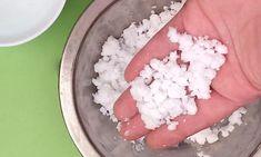 Jak zrobić sztuczny śnieg - niemal jak prawdziwy - 321 start DIY Kids Christmas, Diy, Food, Bricolage, Essen, Do It Yourself, Meals, Homemade, Yemek