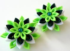Kanzashi Fabric Flowers. Set of 2 hair clips. Green and от JuLVa