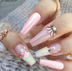 Photo by Jet Set Beauty GmbH on August Image may contain: one or more people Glam Nails, Dope Nails, Classy Nails, Bling Nails, Stylish Nails, Beauty Nails, Stiletto Nails, Trendy Nails, Coffin Nails