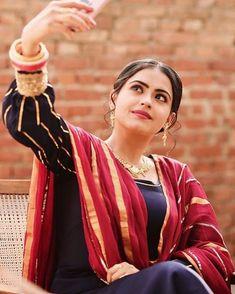 Pakistani Wedding Dresses, Indian Dresses, Punjabi Suits Designer Boutique, Punjabi Models, Punjabi Fashion, Ethnic Fashion, Stylish Outfits, Fashion Outfits, Dress Design Sketches