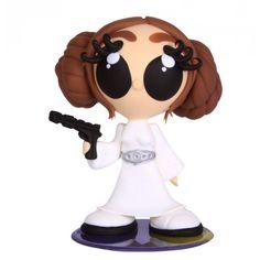 Boneca  peronagem de Guerra nas Estrelas ( Star Wars ) - Princesa Leia. Esculpido em massa de biscuit, isopor, com estrutura interna em arame galvanizado e base acrílica para apoio.