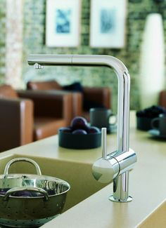 REUTER Shop recommends: Grohe Minta kitchen fitting with pull-out spout chrome 32168000 ✓ with Best Price Guarantee.