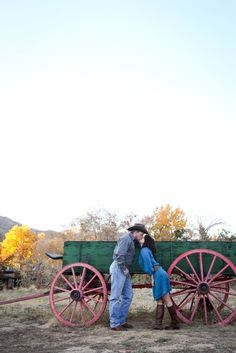 Engagement Photography || Country Wagon Kiss || Golden Colorado || wearemattandjess.com