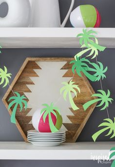 DIY Palm Tree Garland // Printable Pattern // Party in Paradise PINEAPPLE CUPCAKES W/ COCONUT ICING