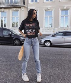 55 Perfect Trendy Spring Outfits for Street Style Coupon Valid Cute Casual Outfits, Retro Outfits, Mode Outfits, Vintage Outfits, Chic Outfits, Black Outfits, Party Outfits, 90s Style Outfits, Black Mom Jeans Outfit