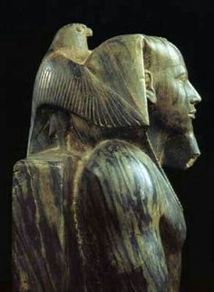 King Khafre, ca. Old Kingdom Egypt The Old Kingdom art, 4700 years old and just spectacular. Ancient Egypt Art, Ancient Aliens, Ancient Artifacts, Ancient History, Art History, Statue Art, Kairo, Ancient Civilizations, Egyptians