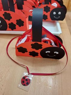 Lady Bug, Life Cycles, Spring Flowers, Make Me Smile, Back To School, Insects, Craft Ideas, Party, Crafts