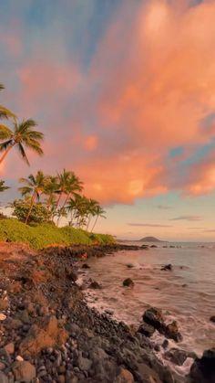 Hawaii Hotels, Hawaii Travel Guide, Hawaii Honeymoon, Sunrise Photography, Beach Waves, Oahu, Beautiful Places, Vacation, Sunset