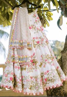 Looking for Bridal Lehenga for your wedding ? Dulhaniyaa curated the list of Best Bridal Wear Store with variety of Bridal Lehenga with their prices Indian Party Wear, Indian Wedding Outfits, Bridal Outfits, Indian Outfits, Bridal Dresses, Indian Wear, Mehendi Outfits, Indian Clothes, Bridal Shoes