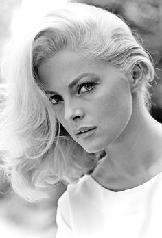 Those eyes! - Virna Lisi - #fashion #icon #Italy