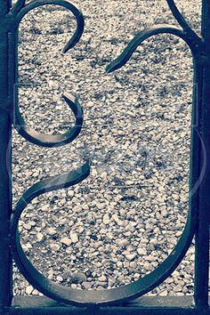 alphabet-photography-alfagram-letter-j-old-door-paris-left-bank.jpg (333×500)