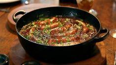 Pot-au feu de saucisses et d'oignons caramélisés by gordon ramsay