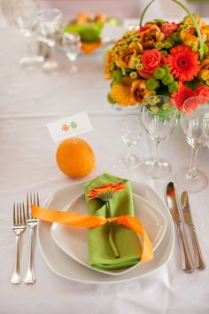 Wedding table decor #green #orange #wedding #bouquet #android