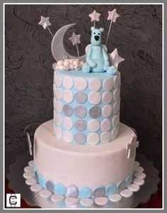 FONDANT BAPTISM CAKE WITH BEAR, STARS AND MOON IN BLUE, GREY AND WHITE (Pastel de bautizo decorado con oso, estrellas y luna en colores azul, plata y blanco)