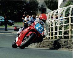 Caption:  2000 Manx Grand Prix  Rider:  BrianMateer  Date:  August 2000