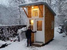 13-ti letý kluk si postavil dům vlastníma rukama.