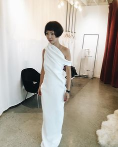 Love the top Bridal Dresses, Wedding Gowns, Plain Wedding Dress, Unconventional Wedding Dress, Kinds Of Clothes, Beautiful Gowns, Bridal Style, Just In Case, Evening Gowns