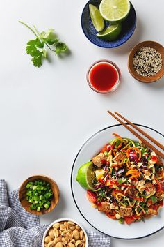 Easy vegan Rainbow Vegetable Pad Thai with protein-packed crispy tofu, lots of colorful, crunchy vegetables, and a simple sauce. Simply replace the soy sauce with tamari to make this recipe gluten-free! Honey Recipes, Asian Recipes, Whole Food Recipes, Japanese Street Food, Thai Street Food, Cooking Tofu, Food Photography Tips, Asian Photography, Gastronomia