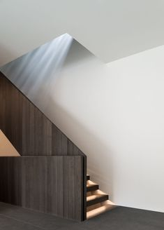 john pawson has completed a contemporary family house in the alpine town of kitzbühel, western austria, combining three-barn like volumes into one. John Pawson Architect, Architect House, Interior Stairs, Bathroom Interior Design, Alpine House, Stair Detail, Buckminster Fuller, Modern Stairs, Minimal Home
